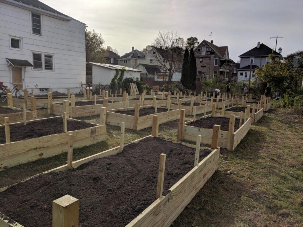 Community Gardens – VINES